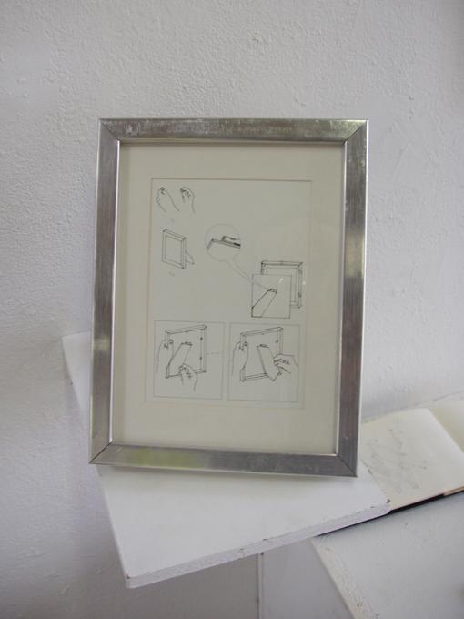 poser un cadre sur une table(tte) : www.francoisfeutrie